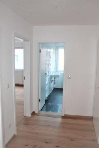 Komplett renovierte, attraktive 2-Zimmer-Whg. mit Balkon, 81369 München, Etagenwohnung