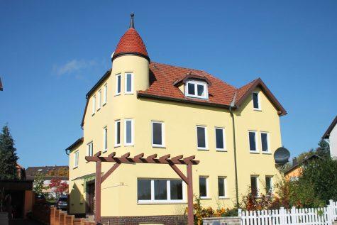 Großzügige und attraktive Villa mit großem Garten, 96472 Rödental, Mehrfamilienhaus