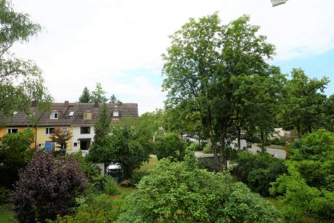 Komplett renovierte, attraktive 4-Zimmer-Whg. mit Balkon in sehr ruhiger Lage, 81547 München, Wohnung