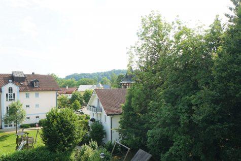 Zentral und trotzdem sehr ruhig! Großzügige 3-Zi.-DG-Whg. in Wolfratshausen, 82515 Wolfratshausen, Wohnung